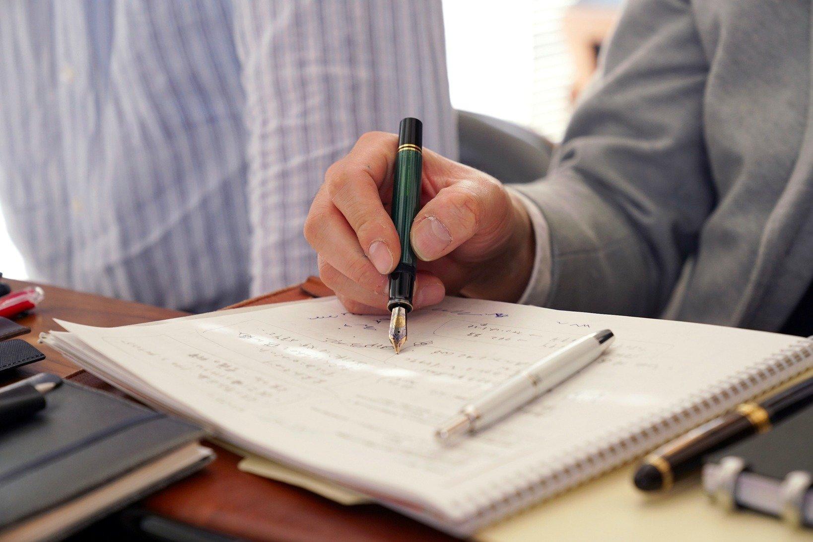 フルハルター森山さんにペン先研いでもらったことで「初めから手に紙に脳にフィットする書き味でした」と土橋さん。