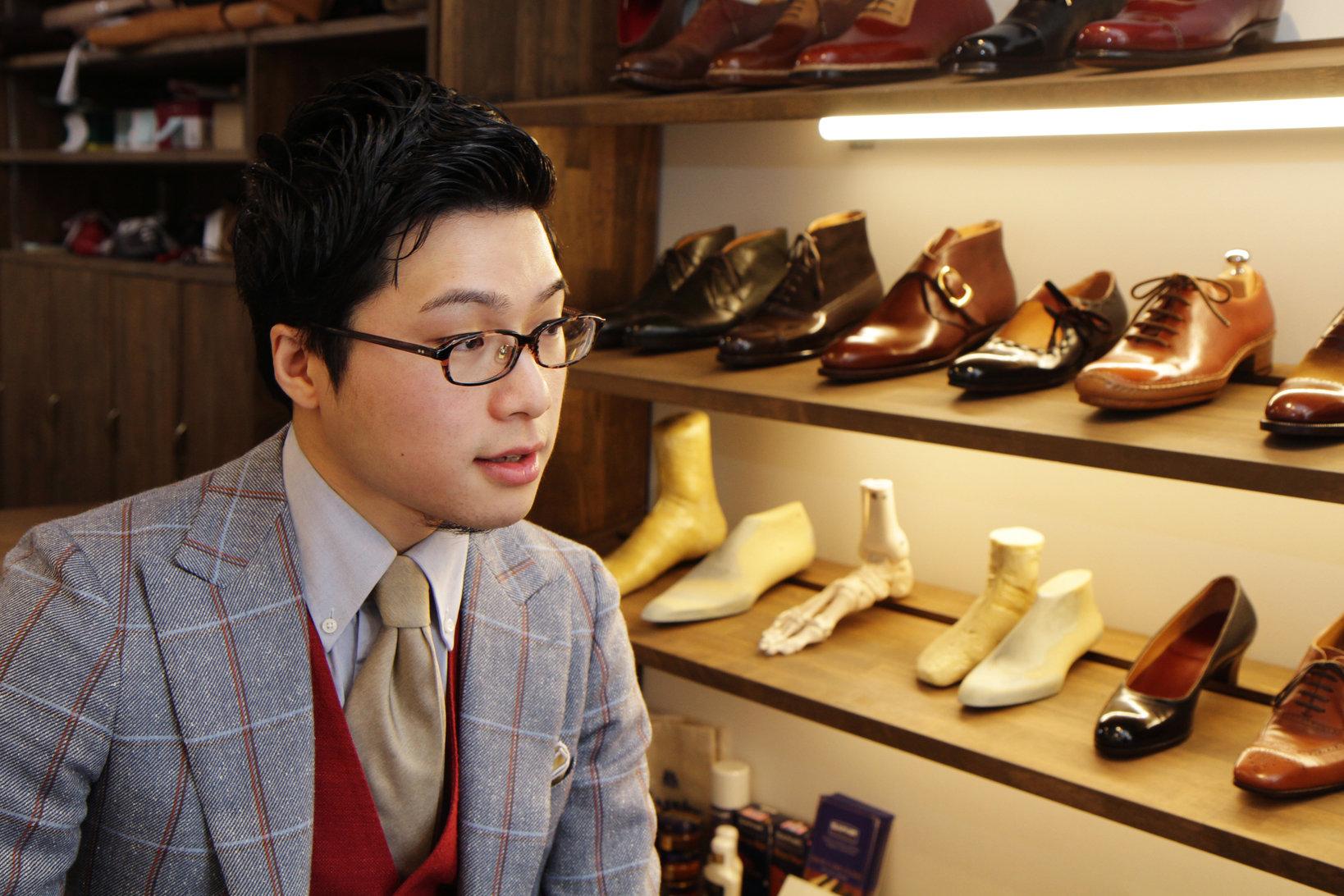 整形靴の世界に飛び込んだ経緯を語る八巻さん