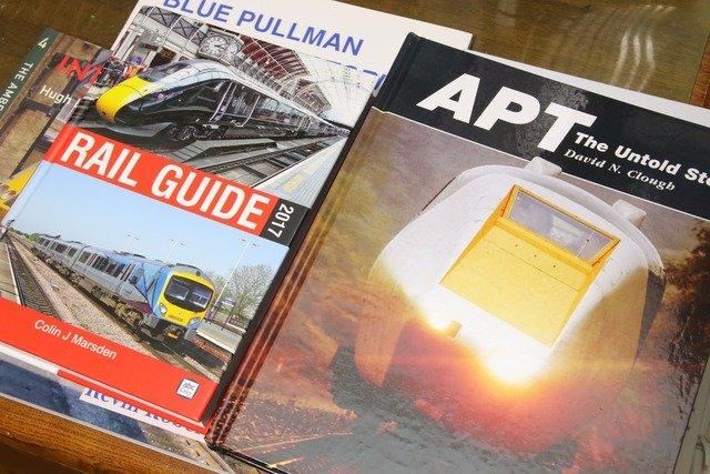 関連する洋書にあたり、その歴史を学ぶほど熱中。「APT-P」は上原さんにとって特別な列車だ。