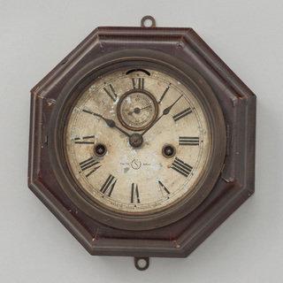 テンプ式小型八角掛時計(セイコーミュージアム所蔵)