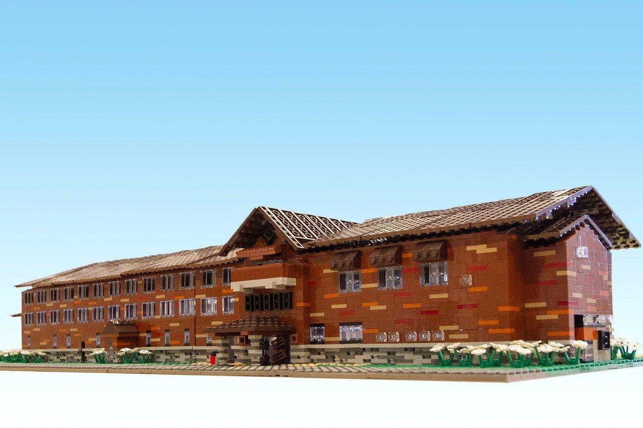 「裏磐梯高原ホテル」。同ホテルからの依頼を受けて制作、約90cm×40cmの大型作品だ。