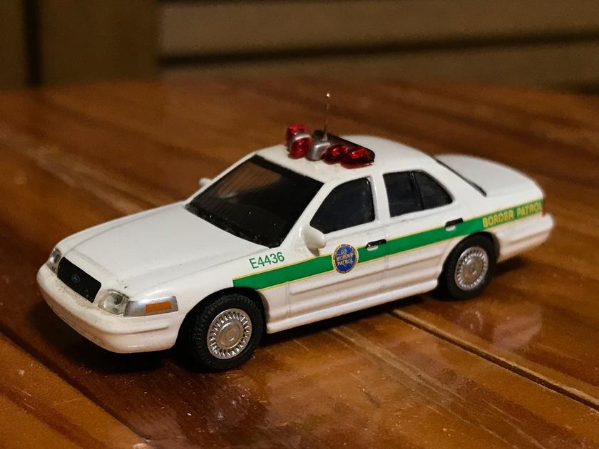 ford crown victoria police interceptor us boader patrol モデル