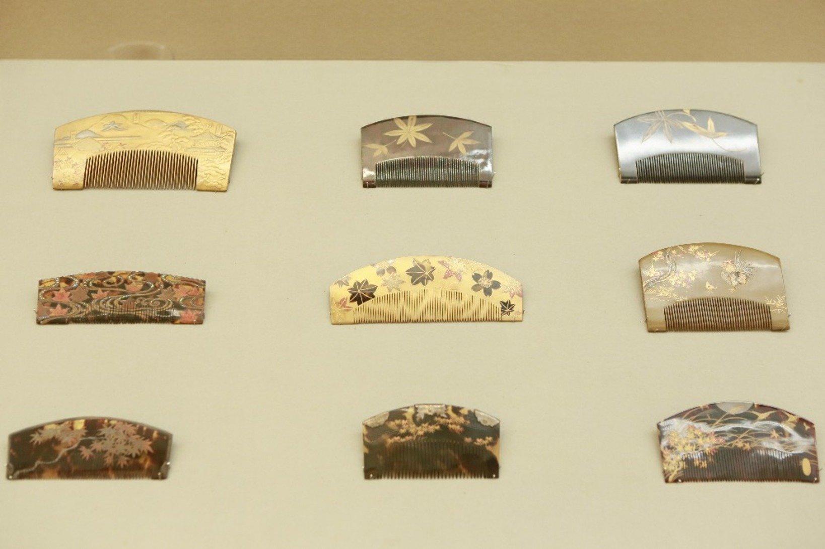 江戸時代とても高価だった鼈甲の櫛が、最高の状態で保存されています