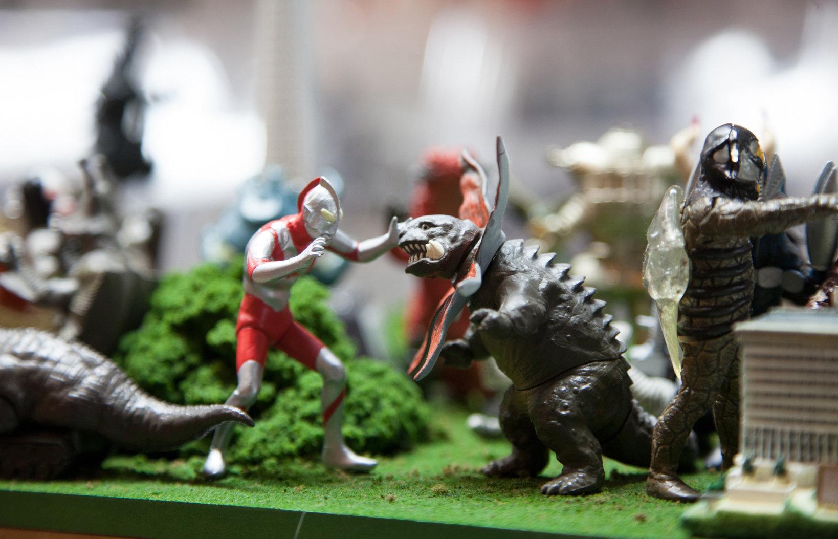 映画のシーンを再現した展示もあり、怪獣好きにはたまらない空間