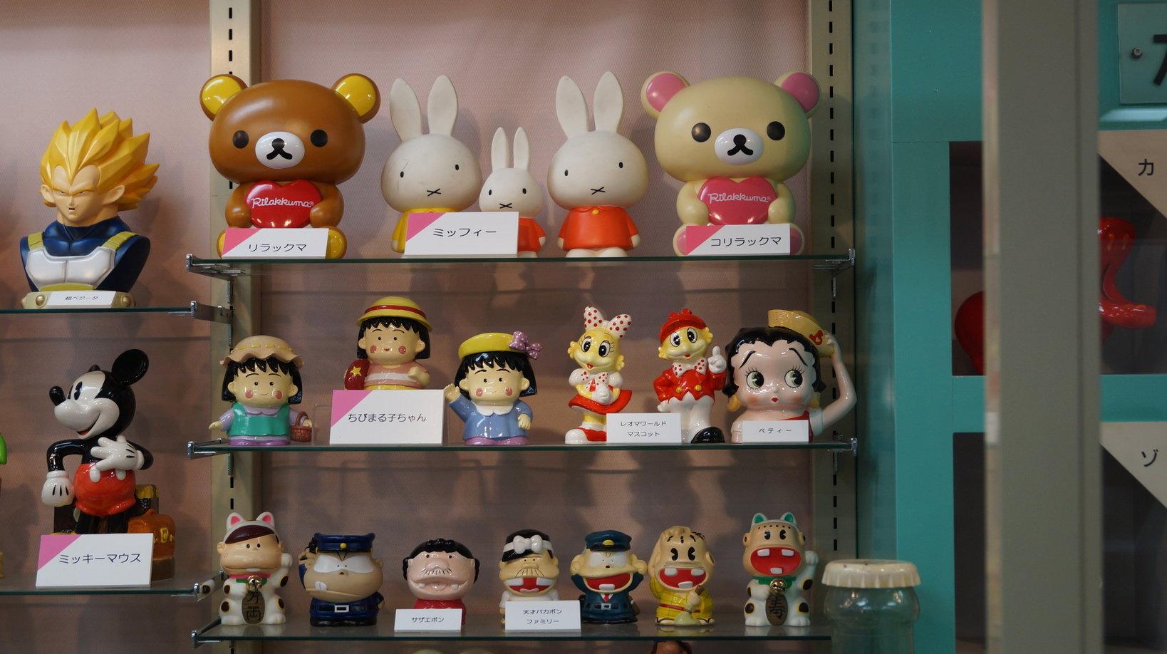 みんなが大好きなキャラクターを採用した貯金箱