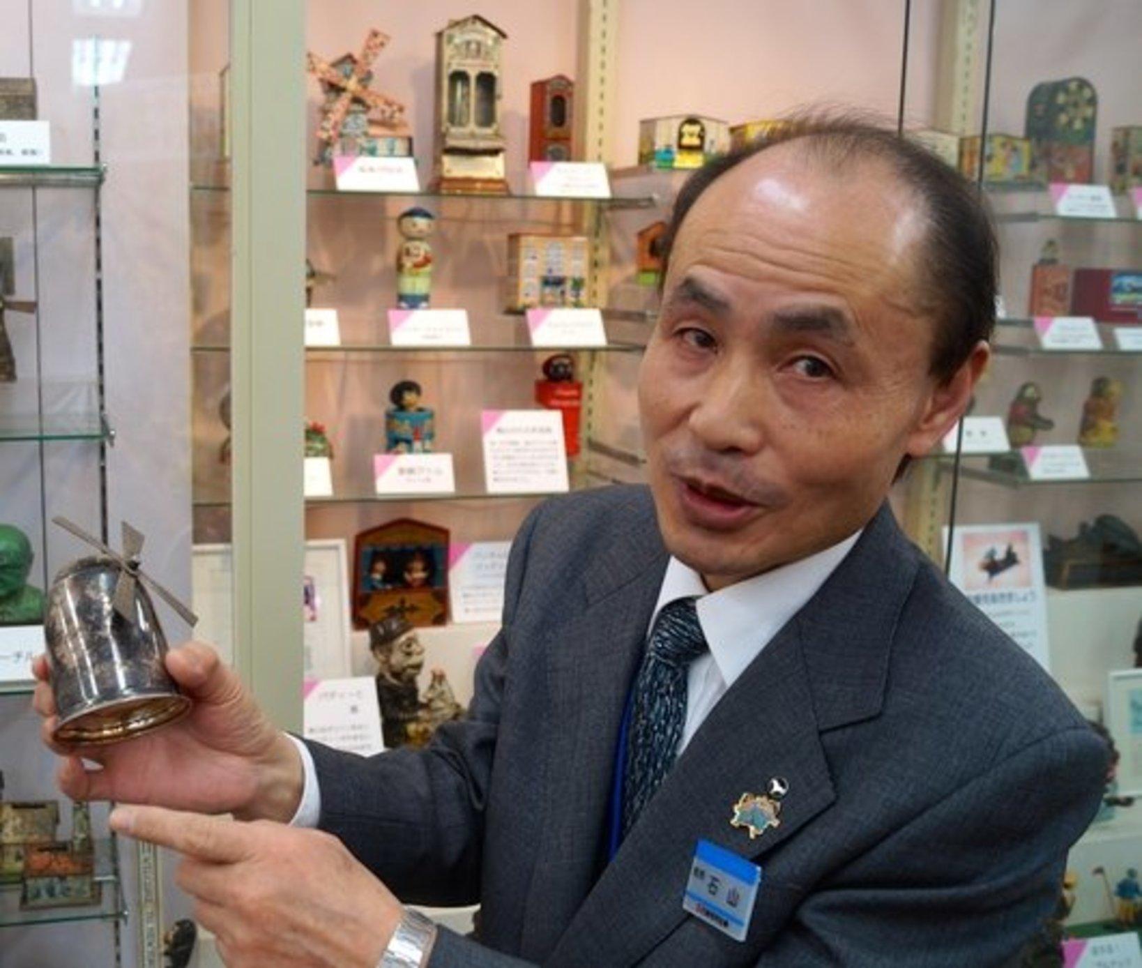 館長の石山さん。貯金箱に関して、とても丁寧に説明をして下さいました