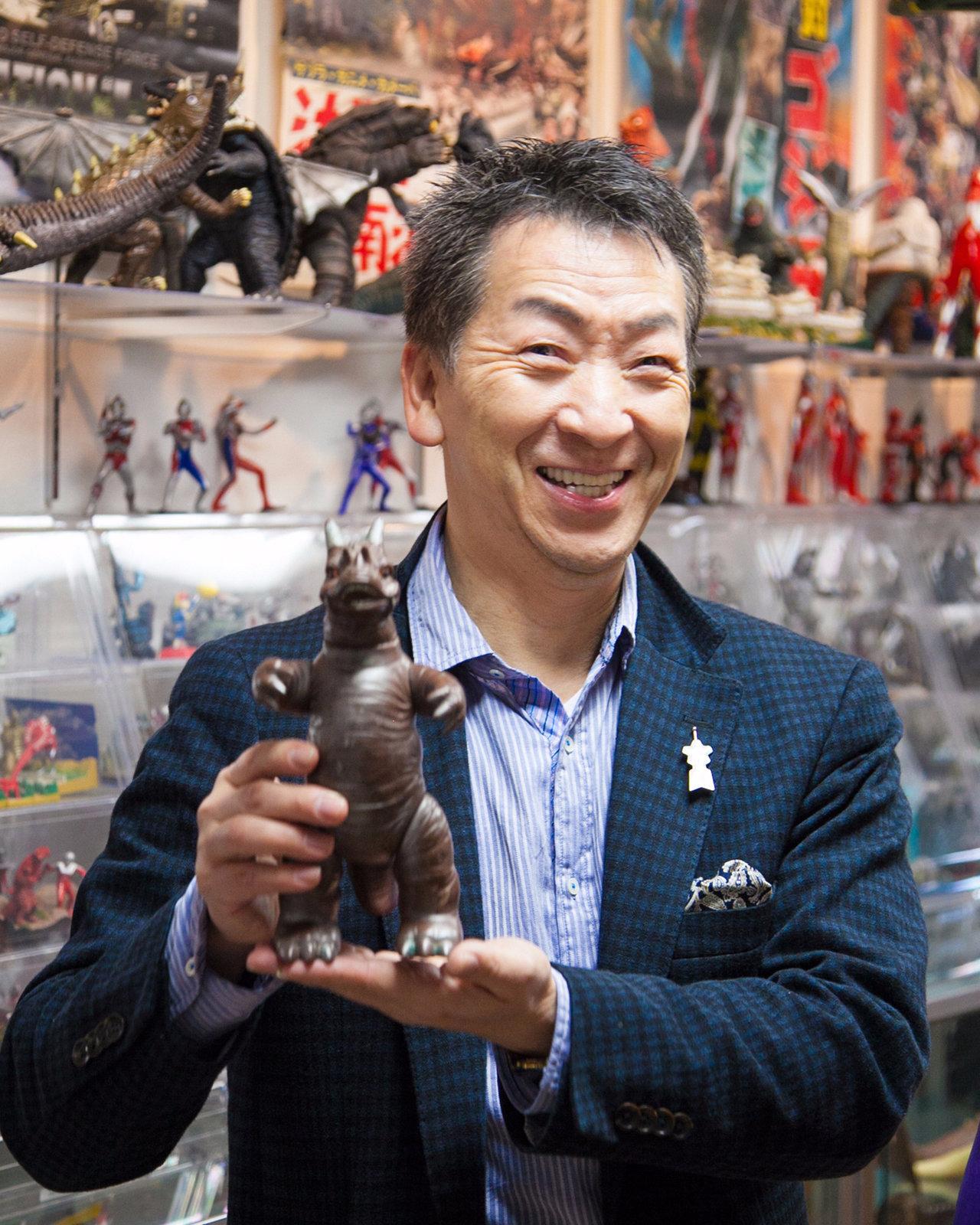 怪獣ミュージアム館長の原坂一郎さん。元怪獣博士というだけあり、豊富な怪獣の知識を教えてくれました。