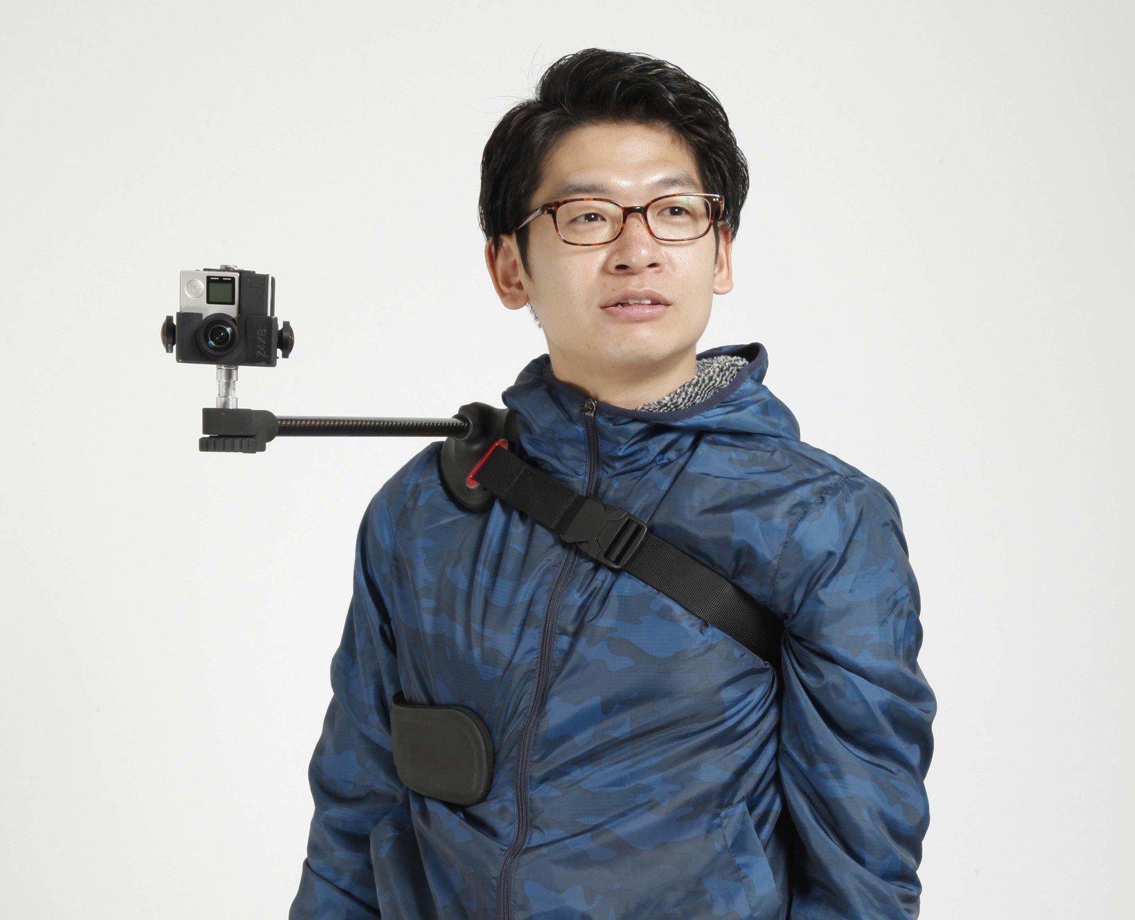 ▲撮影者との疑似コミュニケーションVRを実現する、Wearable Mount 360。