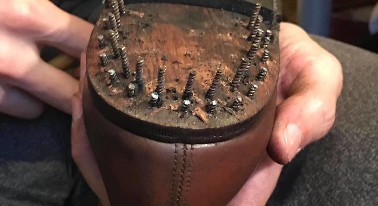 古びた靴に新たな未来を。ロンドンの靴職人たちが魅せる美しき技_image