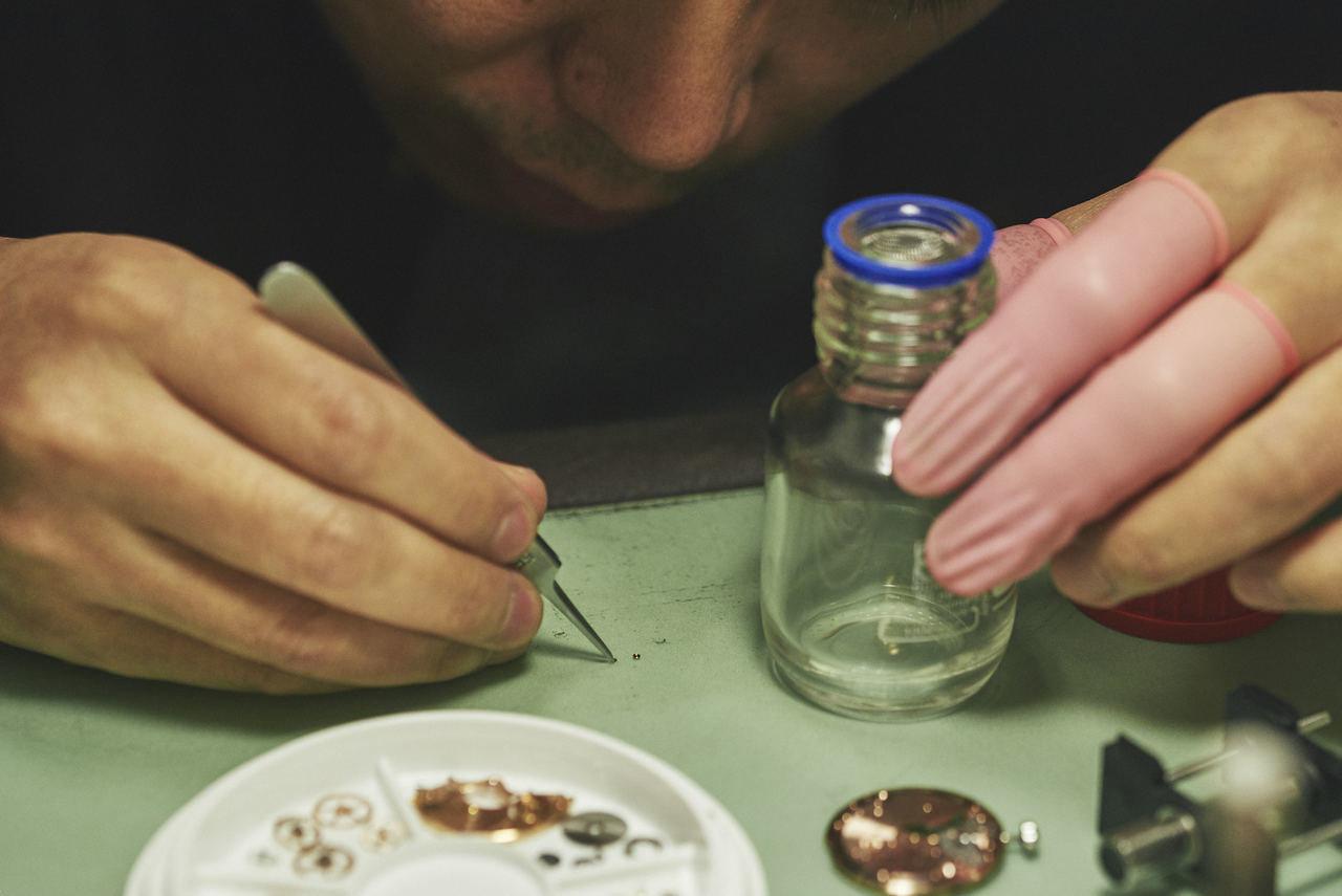 エピラム液を部品に塗布することによって、オイルの持続時間を向上させている。