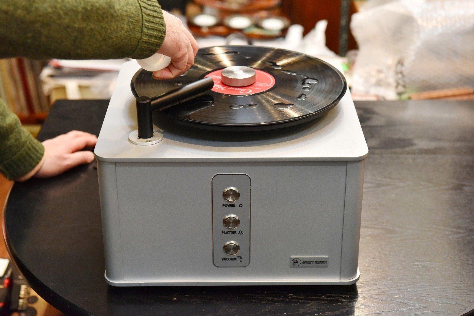 ドイツ製のレコードクリーニング機 クリアオーディオ社「Smart Matrix Pro」