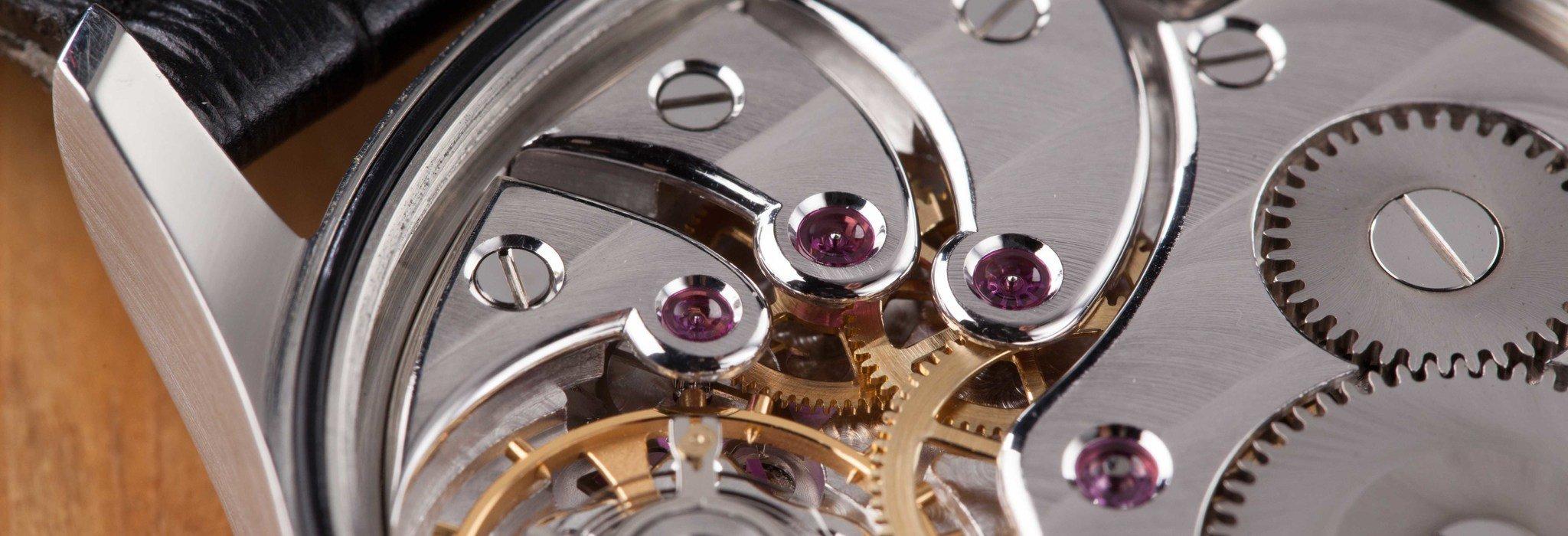 仕組みで選ぶ機械式時計。自動巻きと手巻きのメリット・デメリットとは?_image