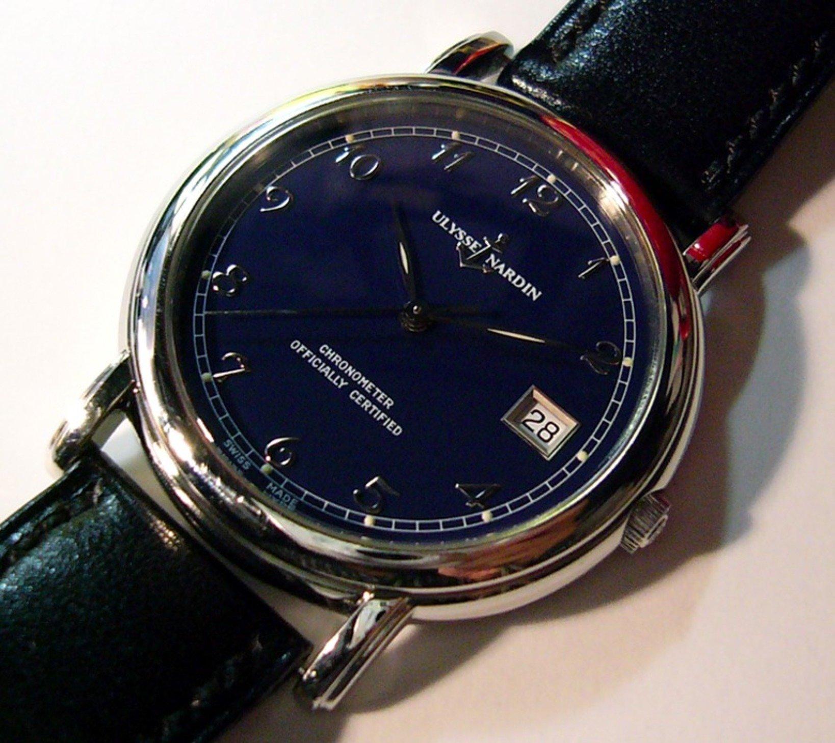 ユリスナルダン サンマルコ 自動巻き。サルマルコといえばクロワゾネを思い浮かべてしまうが、これは普通のブルーの文字盤のモデル。40mm近いケースサイズとほどよい重量感、上品な文字盤デザインはさすがユリスナルダン!ボクが持っていた時計の中でエベルと並んで気に入っていた。なのに、なぜか手放してしまった。この後のユリスナルダンの時計はトレンドを追ったデザインになってしまい、魅力が失せてしまった。