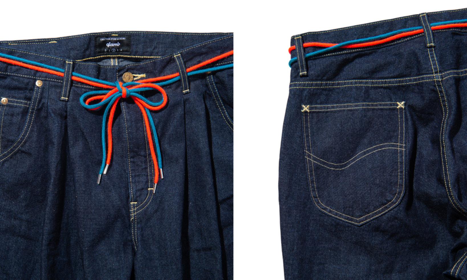 ベルト代わりになる2色1セットのシューレースが付属。バックポケットはデニムマニアには一目でそれとわかるLeeのディテールを採用