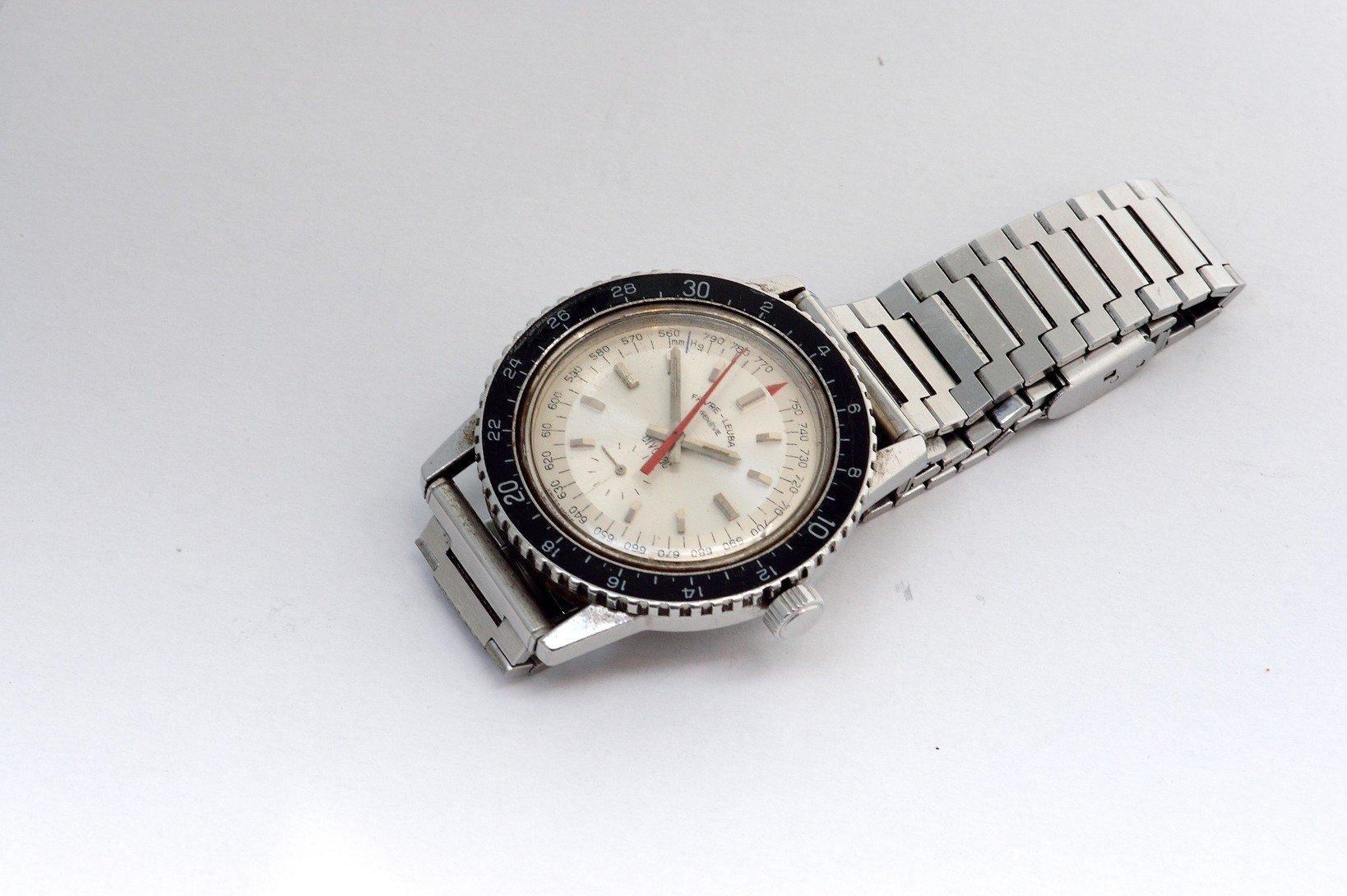 田部井淳子氏がエベレスト登頂の際に用いたファーブル・ルーバの腕時計「ビバーク」