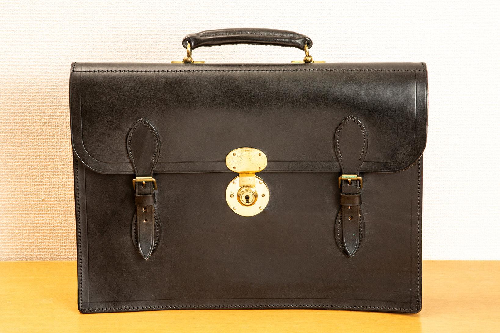飯野さん所有のロイドフットウェアの鞄