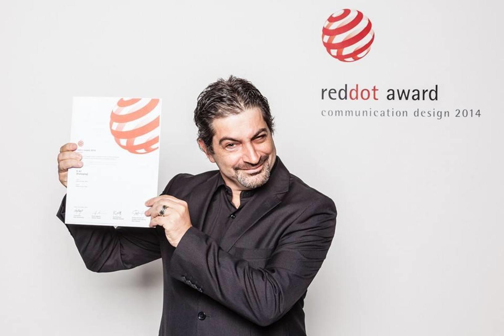 2014年のレッドドットデザイン賞を受賞したズヴィアド・チコリア氏