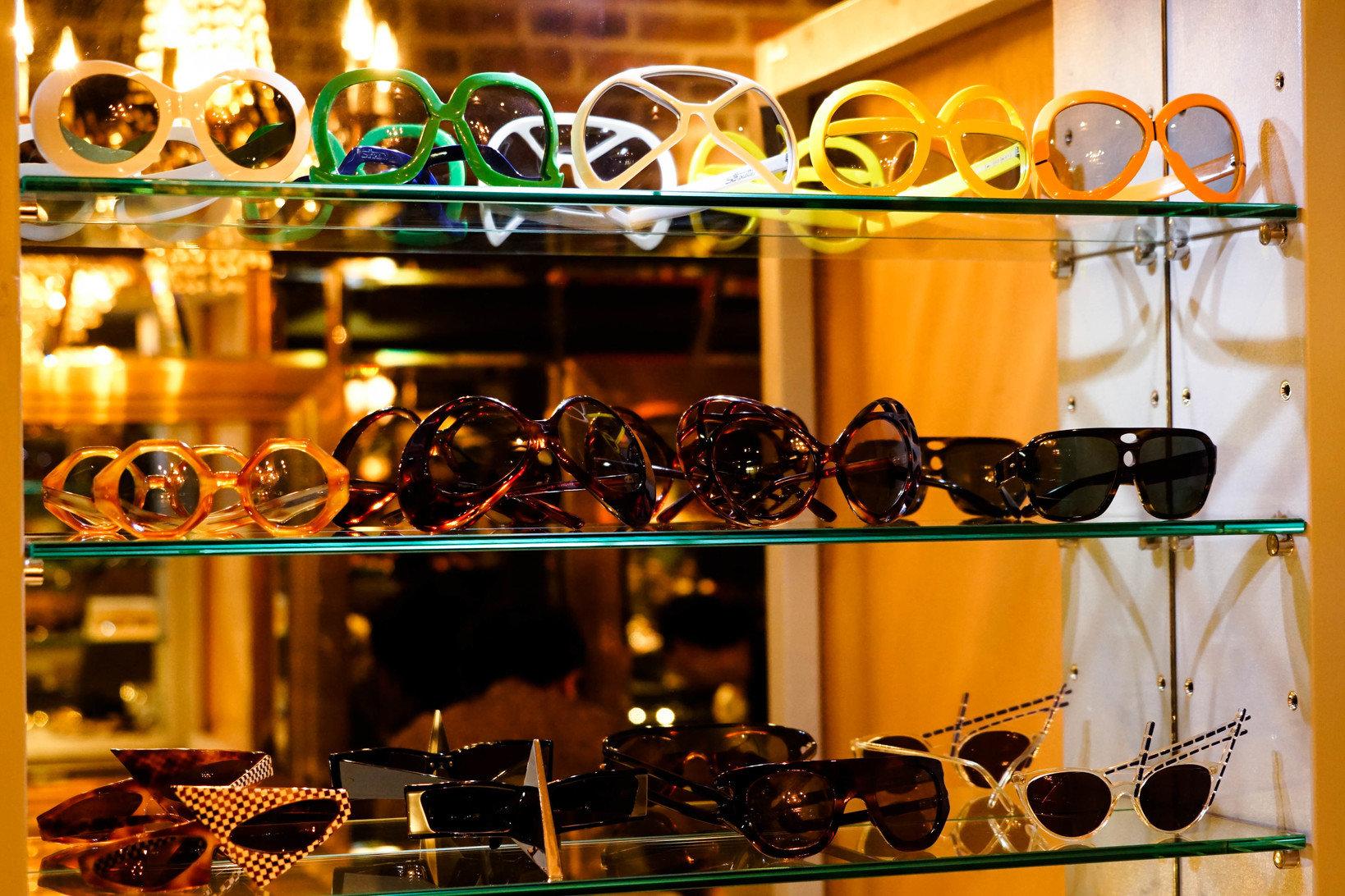 自由主義の興隆の影響を受け、メガネにも多彩で自由なデザインが生まれた。
