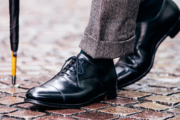 Mens shoes top
