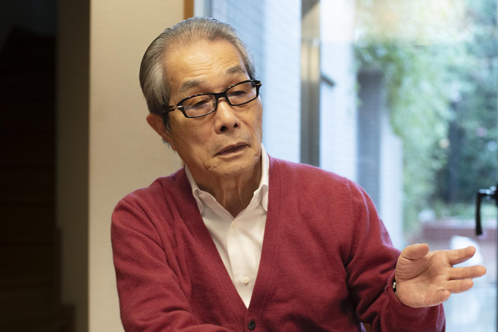 田口弘さん。1937年岐阜県生まれ。  FA部品や金型部品の専門商社ミスミ創業後、「マーケットアウト」  「購買代理店」「持たざる経営」「オープンポリシー」「プラットフォーム  カンパニー」など、独自の経営理念や新規事業を次々に打ち出し、ミスミを年商550億円、東証1部上場企業へ育てあげた。