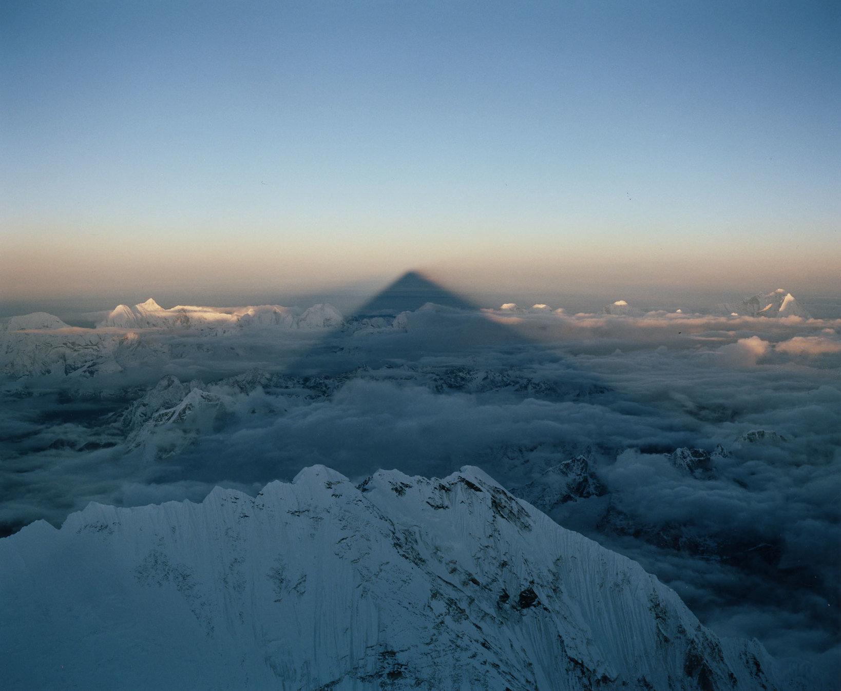 石川直樹 Everest #23  2011年 C-print © Naoki Ishikawa Courtesy of SCAI THE BATHHOUSE
