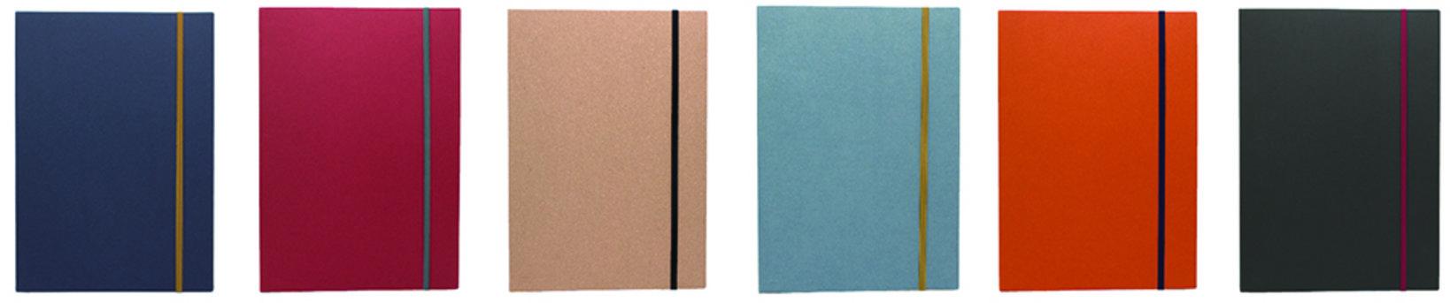 A4(一片のサイズ:20.95×29.7cm、内容:48 枚)左からインディゴ、ルージュ、クラフト、アッシュ、バーミリオン、ブラック