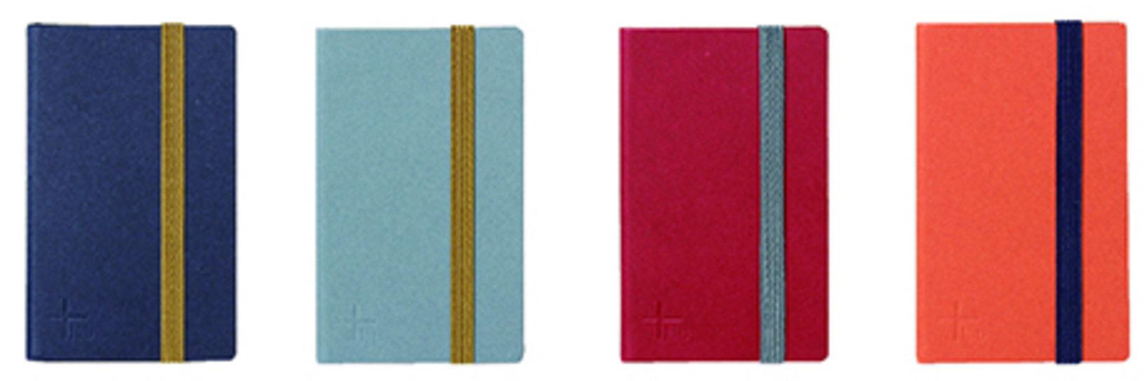 一片のサイズ:5×8.5cm、内容:48 片(無地)左からインディゴ、アッシュ、ルージュ、バーミリオン