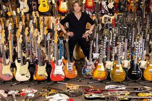 """野村義男の""""思わず検索したくなる"""" ギター・コレクション YOSHIO NOMURA GUITAR COLLECTION_image"""