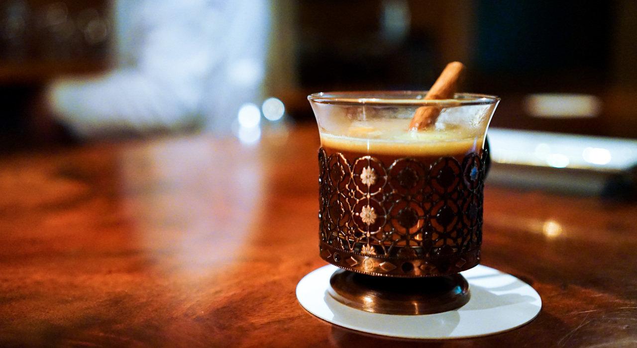 片瀬江ノ島「Bar d」―潮風とシガーと― 【アンティーク・グラスと過ごすバータイム Vol.1】_image