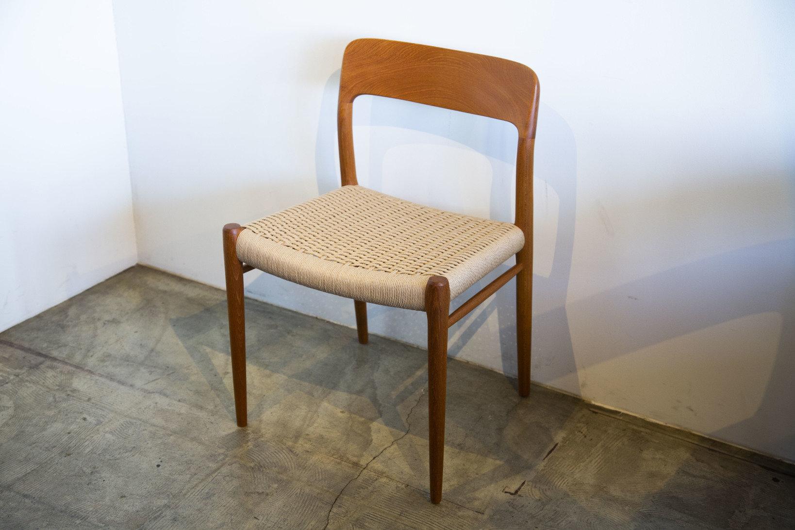 広葉樹で作られた椅子。このような椅子を杉で作ろうとすると、座った際に脚が折れてしまう。(Photo:Yuco Nakamura)