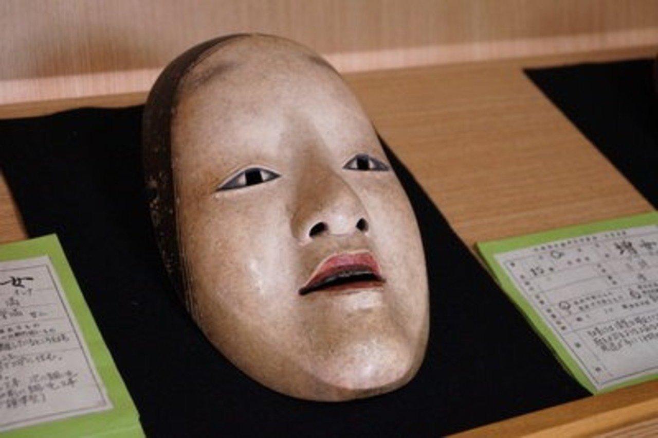 増女は20代の女性の顔を模写して作られている