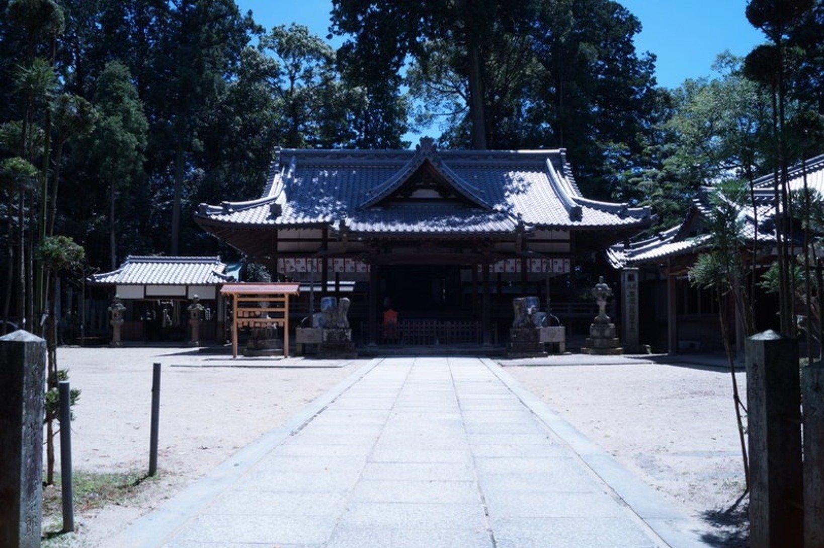 うるふしね神社の境内