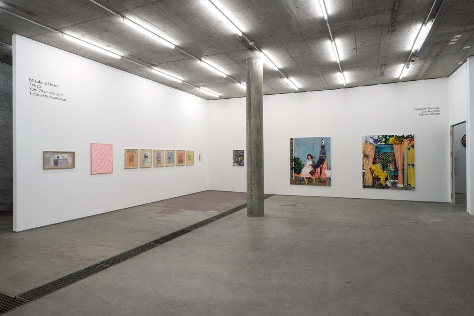 June 展示風景 左の壁:MISAKO & ROSEN 右の壁:フランソワ・ゲバーリー(ロサンゼルス)