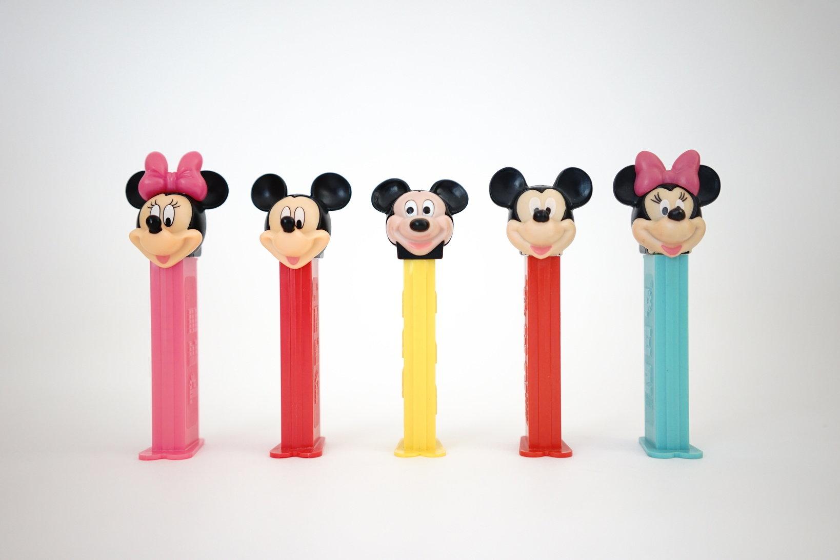 (左から)ミニー、ミッキー、ミッキー、ミッキー、ミニー