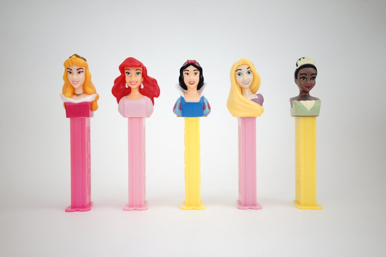 (左から)オーロラ姫、アリエル、白雪姫、ラプンツェル、ティアナ