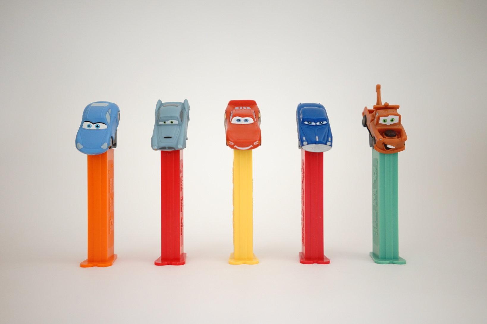 (左から)サリー、フィン・マックミサイル、マックィーン、ドッグ・ハドソン、メーター