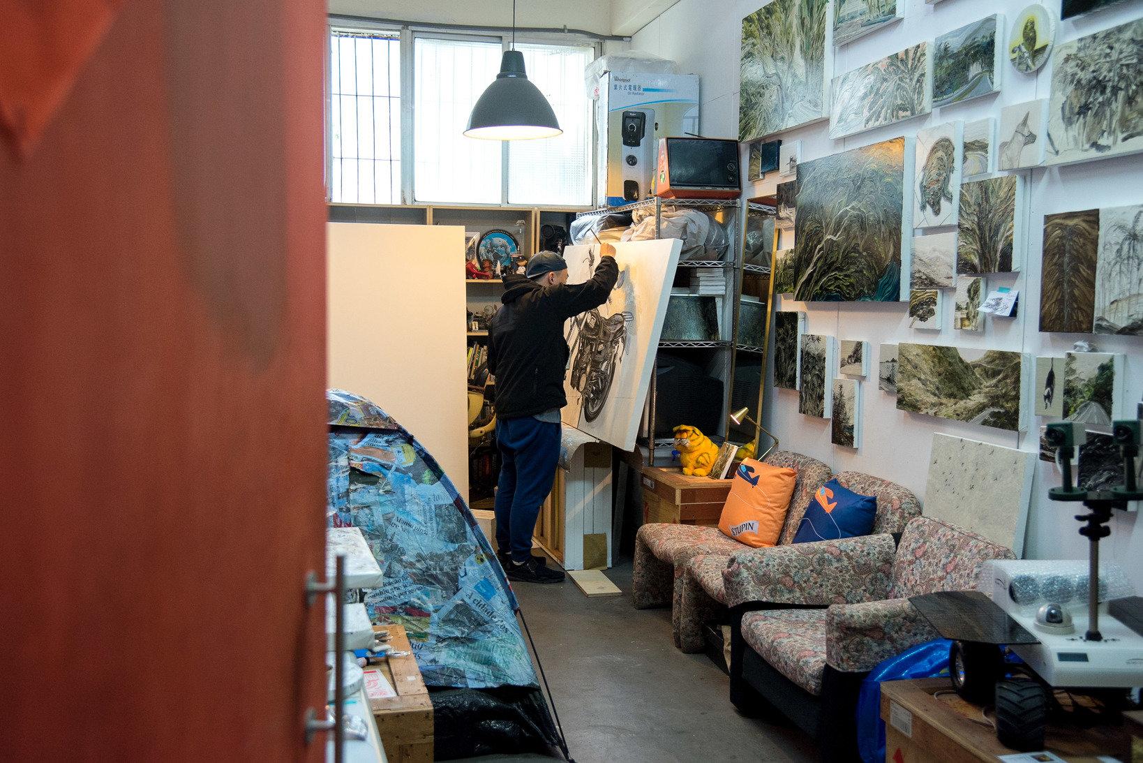 Liu Chihhung's studio