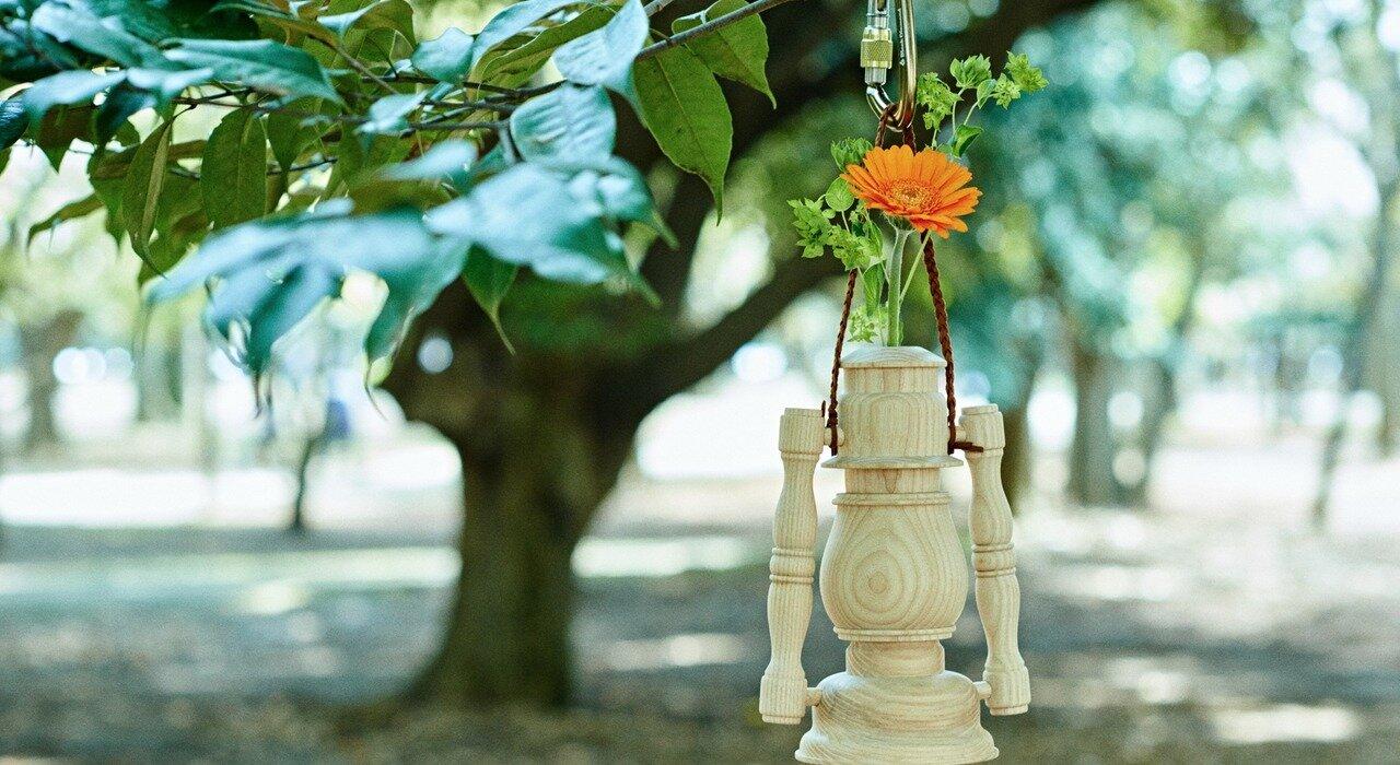 アメリカ・西海岸カルチャーと静岡挽物の技術が融合! SEE SEEの木製一輪挿し_image