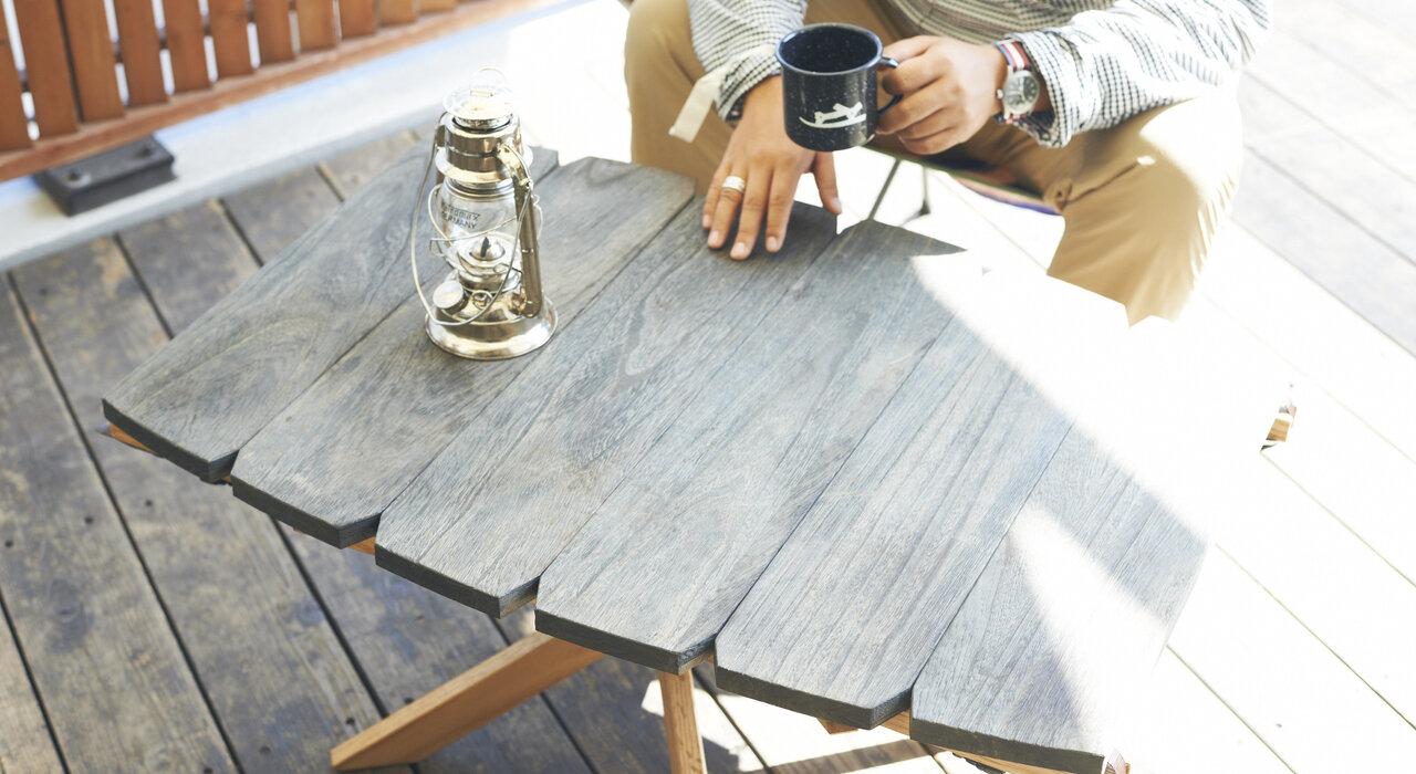 細やかな職人技が光る! 木の質感を活かしたOUTSIDE INのアウトドアテーブル_image