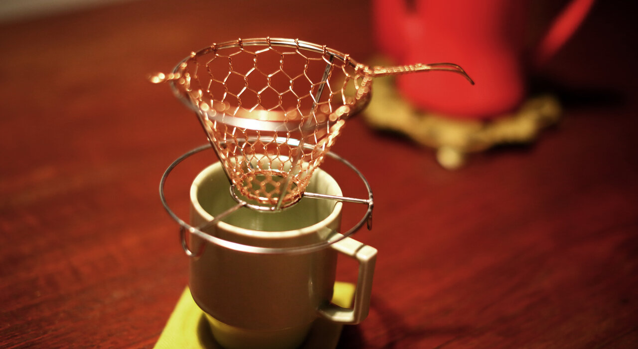 手編みが生み出す造形美。辻和金網 コーヒードリッパーの魅力_image