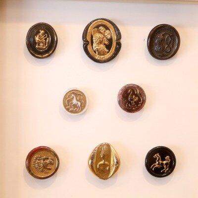 時代とつくり手の想いを反映する小さな宝石。ボタン専門店「CO-」の店主が語るアンティーク・ボタンの魅力とは。_image