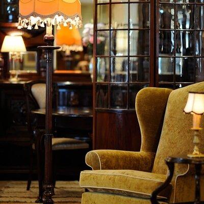 伝統を継承する英国アンティーク家具の魅力_image