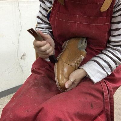 靴作りドキュメント最終回!いよいよかかとを付けて靴が完成です!_image