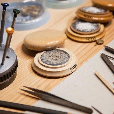 第二回 ファンの力を結集して作った時計が話題に。実直にモノ作りの道をゆく若き時計製作師。_image