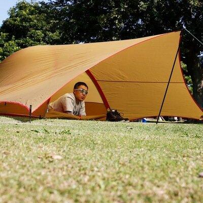 組み立てて、打ち付けて、自分で作り上げる小さな秘密基地。 塚原さんのロマンが詰まった小型テント。_image