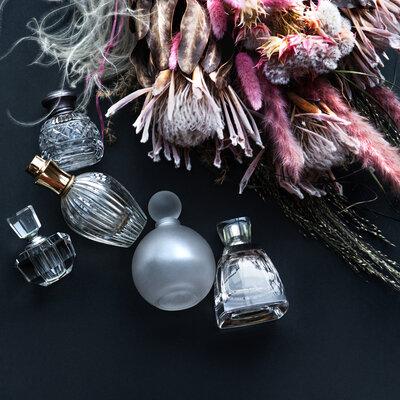 【本物の香りを見極めるために】第2回 香水を選ぶ時の手がかり。濃度と香りの変化を識る_image