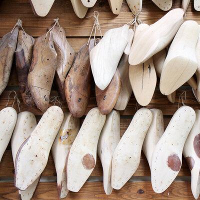足に合う革靴とその背景