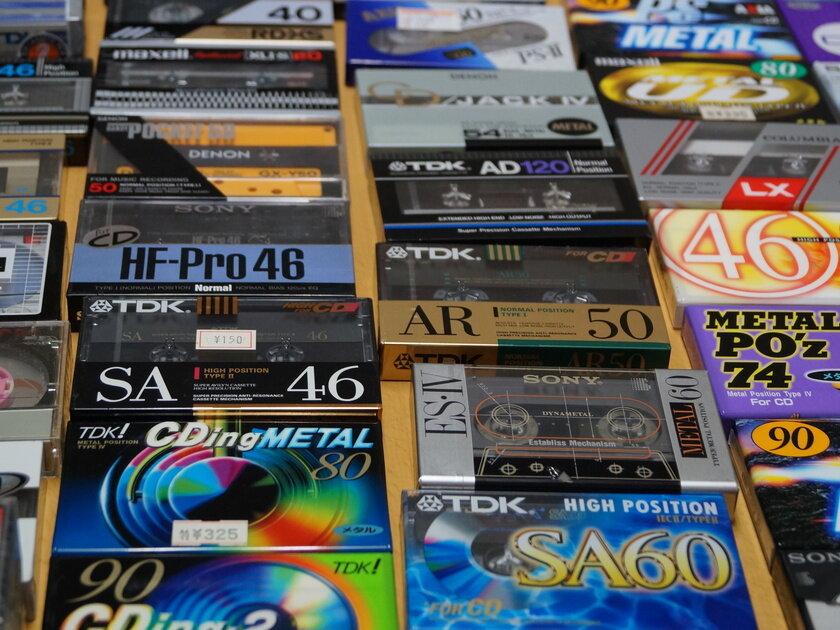 平成生まれの若月さんが5歳から集めてきた1000本以上のカセットテープ。時代の流れを巻き戻すコレクションの数々_image