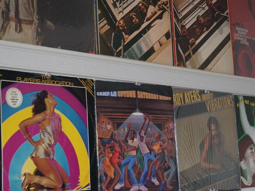 お宝探しのレコード屋通いがやめられなくて。思春期からずっと側にあるアナログレコードの魅力とは。_image