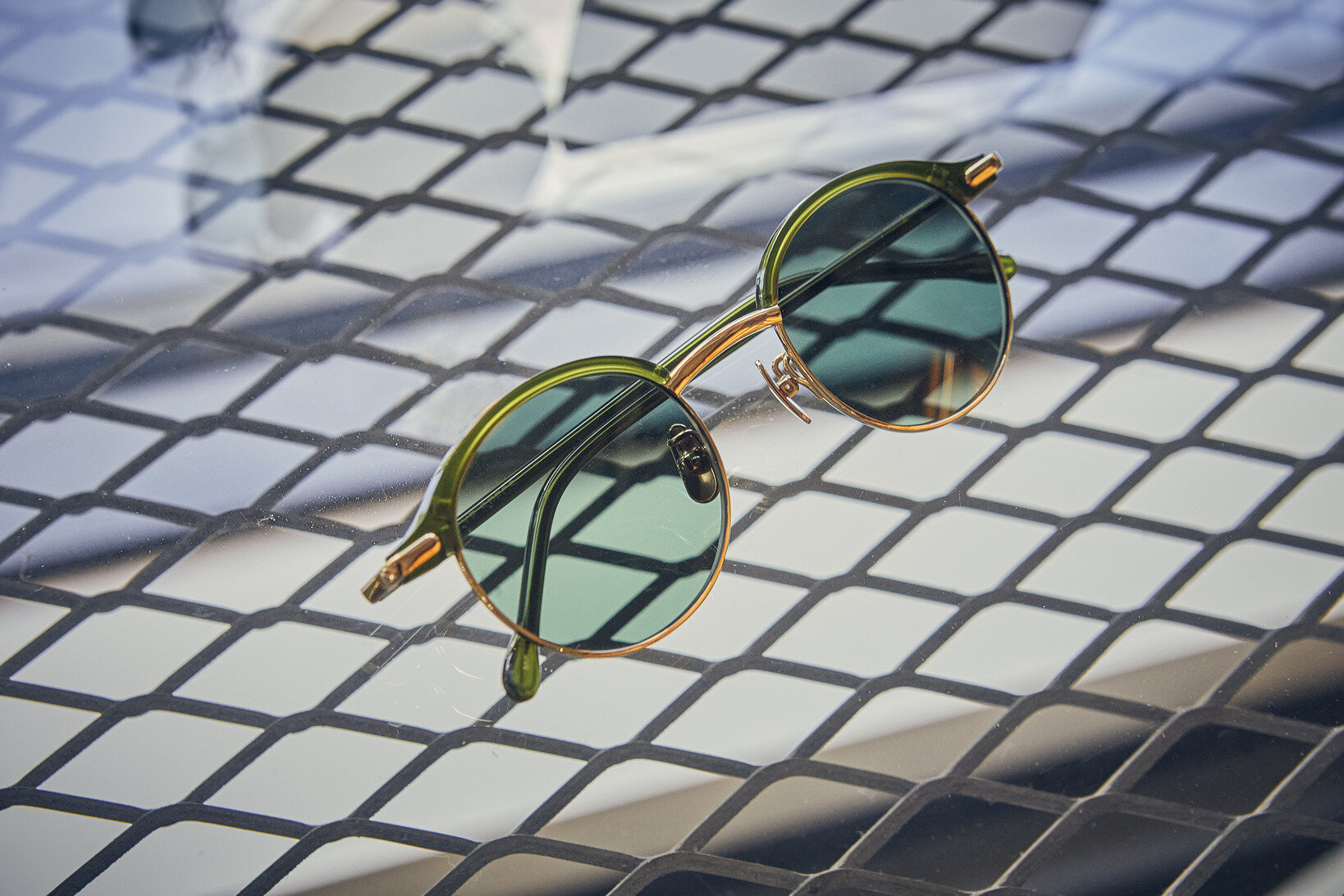 <a href=http://globespecs.co.jp/products/detail/?id=756 target='_blank'>P-COMBO</a> ¥47,300(税込)5色展開/サイ スペックス(グローブスペックス)